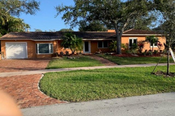 Home for Rent at 517 Bianca Ave, Coral Gables FL 33146