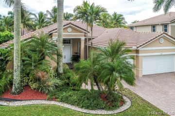 Home for Rent at 1799 Harbor Pointe Cir, Weston FL 33327