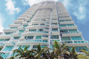 Home for Sale at 41 SE 5 St #1310, Miami FL 33131