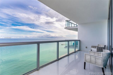 Home for Sale at 17001 Collins Ave #1908, Sunny Isles Beach FL 33160
