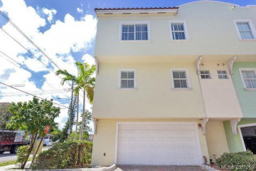 Home for Sale at 1705 Johnson St #A, Hollywood FL 33020