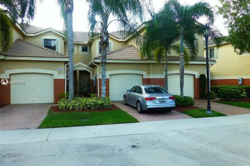 Home for Sale at 4156 Forest Dr, Weston FL 33332