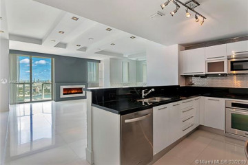 Home for Sale at 244 Biscayne Blvd #2703, Miami FL 33132
