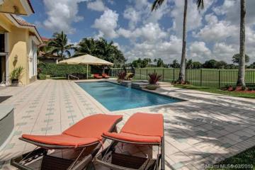 Home for Sale at 2680 Riviera Ct, Weston FL 33332