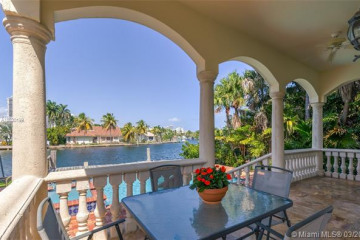 Home for Sale at 326 S Parkway Pkwy, Golden Beach FL 33160