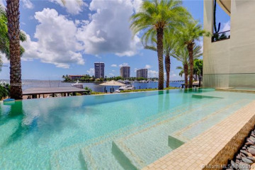 Home for Sale at 3535 Hiawatha Ave #202 **WITH BOAT SLIP *, Miami FL 33133
