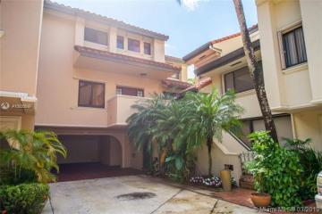 Home for Sale at 2000 S Bayshore Dr #65, Miami FL 33133