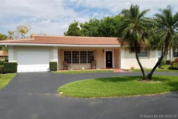 Home for Sale at 7149 E Tropical Way, Plantation FL 33317
