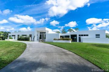 Home for Sale at 1901 SE Ranch Road, Jupiter FL 33478