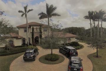 Home for Rent at 2750 E Jockey Cir E, Davie FL 33330