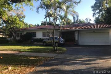 Home for Rent at 6820 Granada Blvd, Coral Gables FL 33146-3824