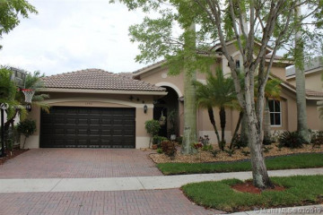 Home for Rent at 1342 Crossbill Ct, Weston FL 33327