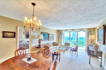 Home for Sale at 11111 Biscayne Blvd #5A, Miami FL 33181