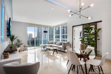 Home for Sale at 951 Brickell Ave #2611, Miami FL 33131