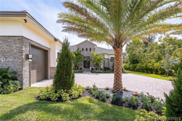 Home for Sale at 11670 NW 6th Pl, Plantation FL 33325