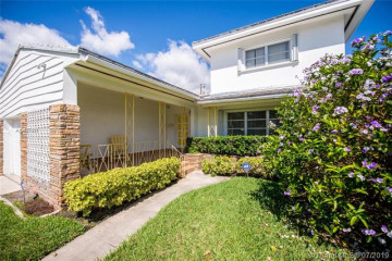 Home for Sale at 3451 Florida Ave, Coconut Grove FL 33133