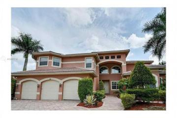 Home for Sale at 11318 Water Oak Pl, Davie FL 33330