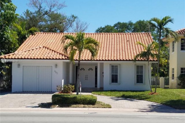 Home for Rent at 907 Red Road, Coral Gables FL 33134