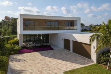 Home for Sale at 16472 S Botaniko Dr S, Weston FL 33326