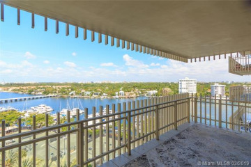 Home for Sale at 3 Grove Isle Dr #C1210, Miami FL 33133