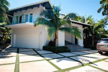 Home for Sale at 750 S Mashta Dr, Key Biscayne FL 33149