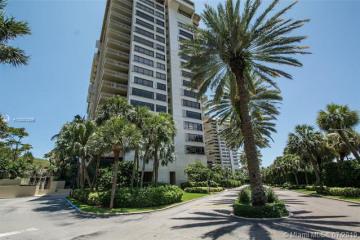 Home for Sale at 2 Grove Isle Dr #B207, Miami FL 33133