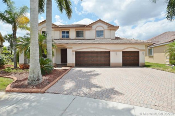 Home for Rent at 1538 Cardinal Way, Weston FL 33327
