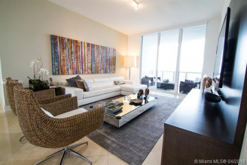 Home for Sale at 15811 Collins Ave #2104, Sunny Isles Beach FL 33160