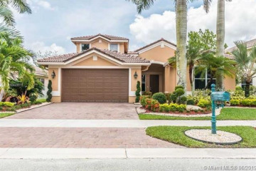 Home for Rent at 1831 Mariners Ln, Weston FL 33327