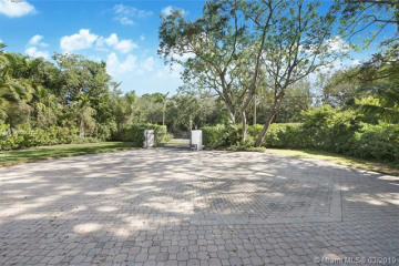 Home for Rent at 8110 Old Cutler Rd, Coral Gables FL 33143