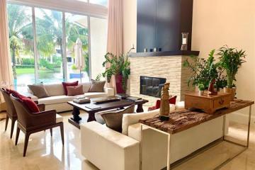 Home for Sale at 10240 Sweet Bay St, Plantation FL 33324