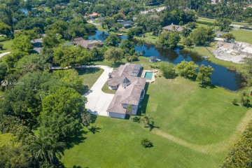Home for Sale at 11050 SW 25th St, Davie FL 33324