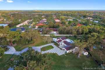 Home for Sale at 8400 SW 182nd Ter, Palmetto Bay FL 33157
