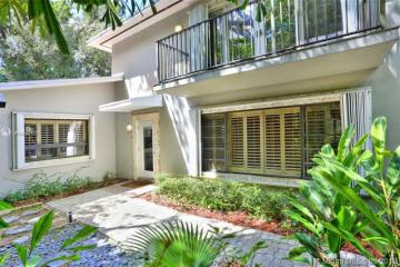 Home for Sale at 4046 El Prado Blvd, Coconut Grove FL 33133