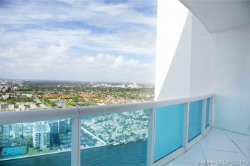 Home for Sale at 2711 S Ocean Dr #3703, Hollywood FL 33019