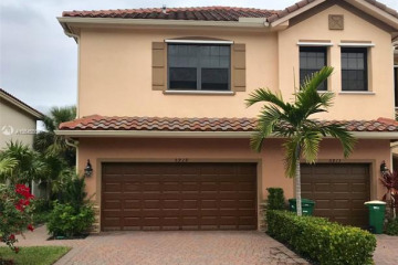 Home for Sale at 5919 NW 56th Pl, Tamarac FL 33319