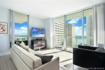 Home for Sale at 300 S Biscayne Blvd #T-1916, Miami FL 33131