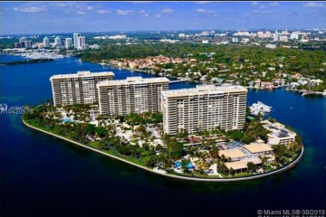 Home for Sale at 1 Grove Isle Dr #A308, Miami FL 33133