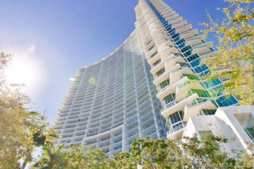 Home for Sale at 2020 N Bayshore Dr #4702, Miami FL 33137