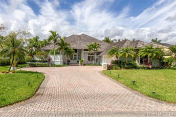 Home for Sale at 18610 SE River Ridge Rd, Tequesta FL 33469