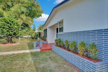 Home for Sale at 3704 Taft St, Hollywood FL 33021