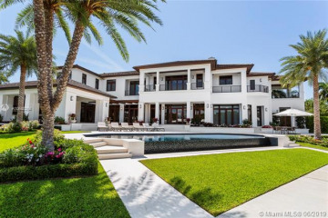Home for Sale at 115 Arvida Pkwy, Coral Gables FL 33156