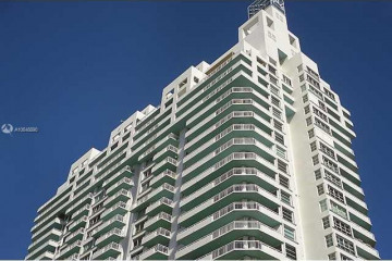 Home for Sale at 400 S Pointe Dr #1506, Miami Beach FL 33139