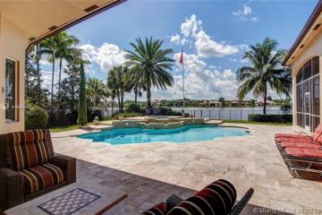 Home for Sale at 3055 Lake Ridge Lane, Weston FL 33332