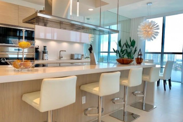 Home for Sale at 17111 Biscayne Blvd #LPH 10, North Miami FL 33160