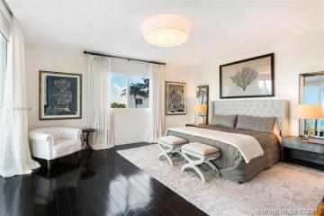 Home for Sale at 50 S Pointe Dr #TWN1, Miami Beach FL 33139