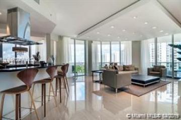 Home for Sale at 4100 Island Blvd #1504, Aventura FL 33160
