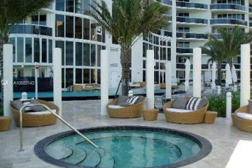 Home for Rent at 17201 Collins Ave #905, Miami Beach FL 33160