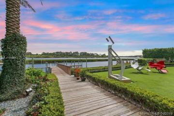 Home for Sale at 186 Spyglass Ln, Jupiter FL 33477