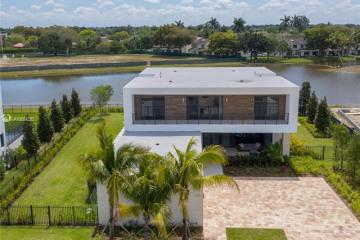 Home for Sale at 16552 Botaniko Dr S, Weston FL 33326